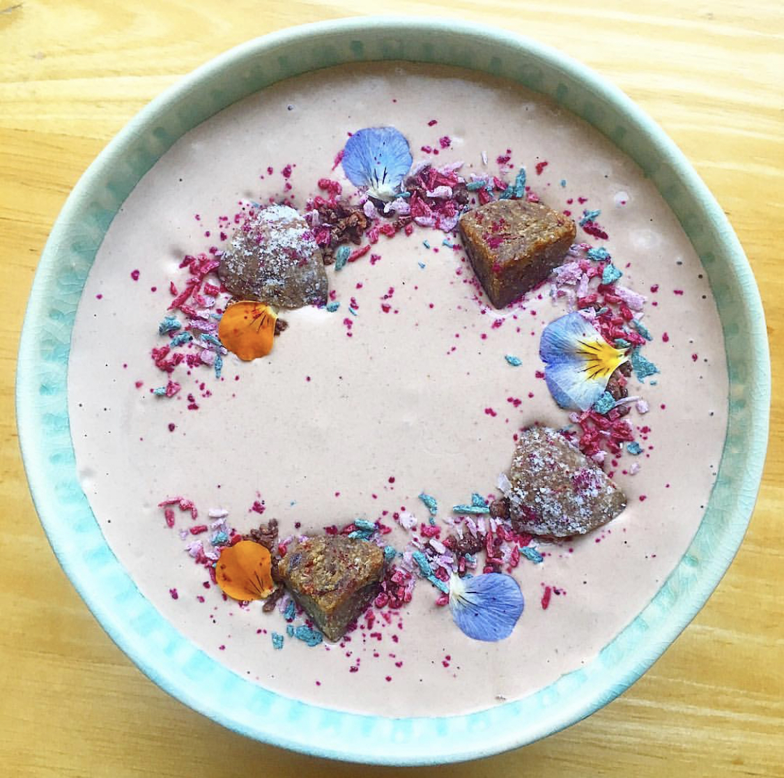 Pretty Pink Smoothie Bowl!